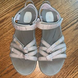 Teva Tirra Pink Metallic Strappy Sandals size 10